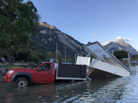 Pickup-Hausboot
